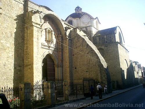 Lateral de la Iglesia de Santo Domingo